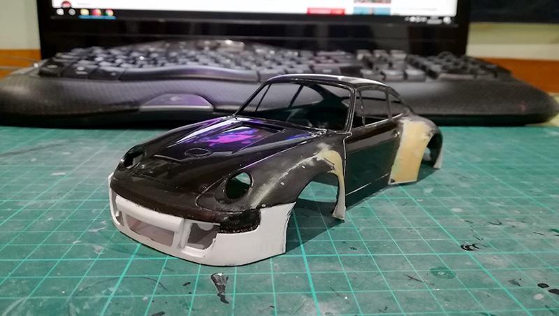 PORSCHE 911 GT208